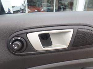 Ford EcoSport 1.5TDCi Titanium - Image 18