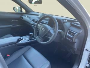 Lexus UX 250h EX - Image 5