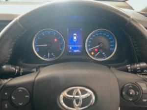 Toyota Corolla 1.8 Exclusive auto - Image 13