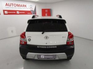 Toyota Etios Cross 1.5 Xs 5-Door - Image 4