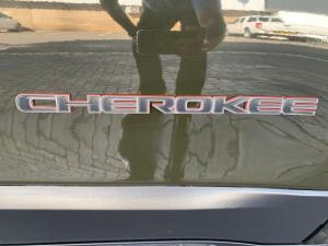 Jeep Cherokee 3.2 Limited automatic - Image 15