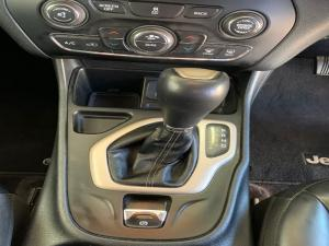 Jeep Cherokee 3.2 Limited automatic - Image 16
