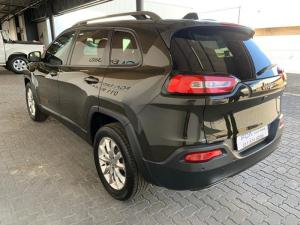 Jeep Cherokee 3.2 Limited automatic - Image 3