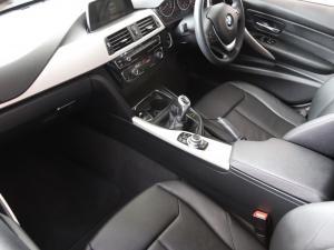 BMW 3 Series 320i - Image 7