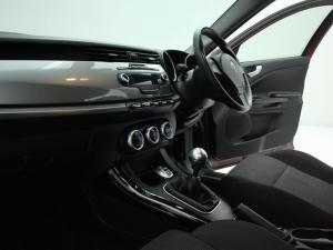 Alfa Romeo Giulietta 1.4TBi Distinctive - Image 9