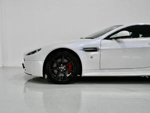Aston Martin Vantage Coupe - Image 11