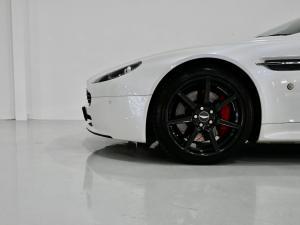 Aston Martin Vantage Coupe - Image 12