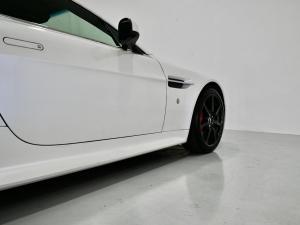 Aston Martin Vantage Coupe - Image 16