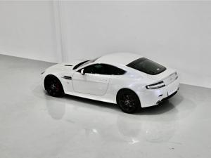 Aston Martin Vantage Coupe - Image 18