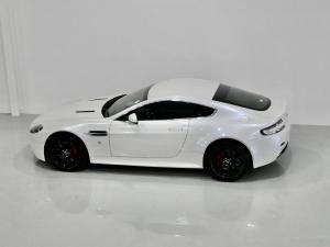 Aston Martin Vantage Coupe - Image 19