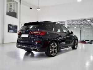 BMW X5 M50d - Image 13