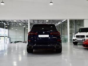 BMW X5 M50d - Image 14