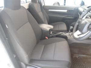Toyota Hilux 2.4GD-6 4x4 Raider auto - Image 12