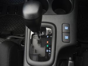 Toyota Hilux 2.4GD-6 4x4 Raider auto - Image 9