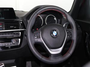 BMW 118i Edition Sport Line Shadow 5-Door automatic - Image 11