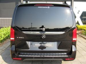 Mercedes-Benz V300d Exclusive - Image 11