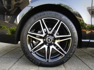 Mercedes-Benz V300d Exclusive - Image 12