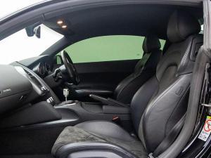 Audi R8 4.2 FSi Quattro - Image 10