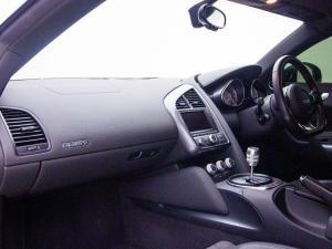 Audi R8 4.2 FSi Quattro - Image 8