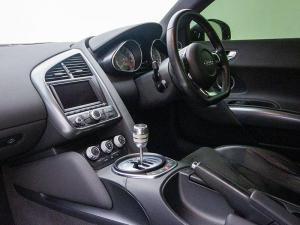 Audi R8 4.2 FSi Quattro - Image 9