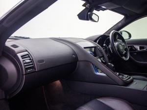 Jaguar F-TYPE R 5.0 V8 Single Cab Coupe - Image 7