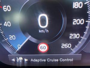 Volvo XC90 D5 Momentum AWD - Image 15