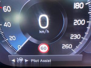 Volvo XC90 D5 Momentum AWD - Image 16