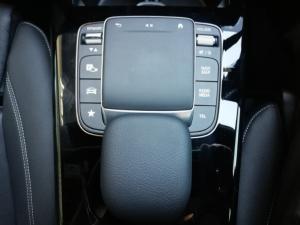 Mercedes-Benz A-Class A200 sedan Progressive - Image 11