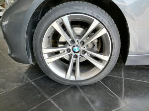 BMW 320i Sport Line automatic - Image 10