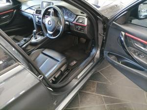 BMW 320i Sport Line automatic - Image 11