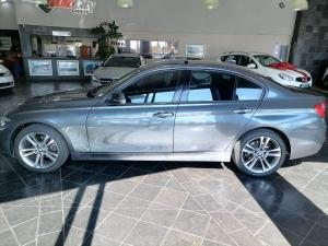 BMW 320i Sport Line automatic - Image 9