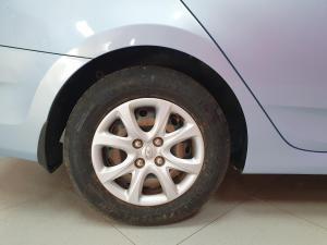 Hyundai Accent 1.6 GL/MOTION - Image 10
