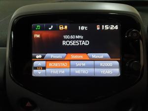 Toyota Aygo 1.0 X-Play - Image 10