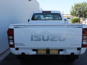 Isuzu D-Max 250 Fleetside safety - Image 4