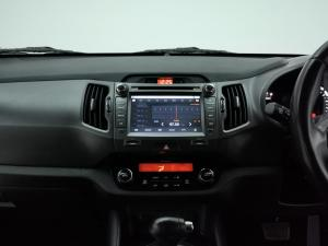 Kia Sportage 2.0 auto - Image 9