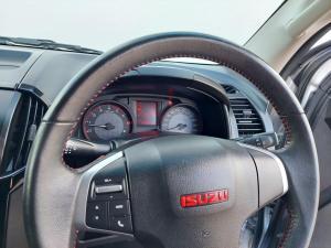 Isuzu D-MAX 250 HO X-RIDER automatic D/C - Image 4