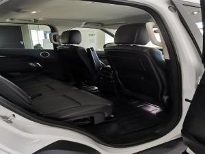 Land Rover Discovery 3.0 TD6 SE - Image 10