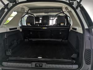 Land Rover Discovery 3.0 TD6 SE - Image 6