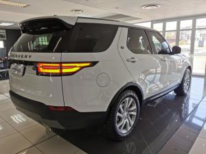 Land Rover Discovery 3.0 TD6 SE - Image 7