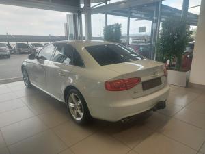 Audi A4 2.0TDI SE auto - Image 4