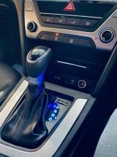 Hyundai Elantra 1.6 Executive auto - Image 10