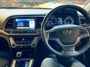 Hyundai Elantra 1.6 Executive auto - Image 9