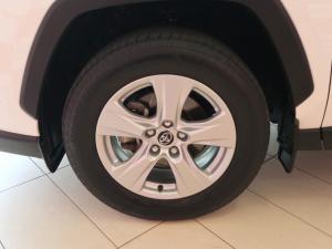 Toyota RAV4 2.0 GX - Image 7