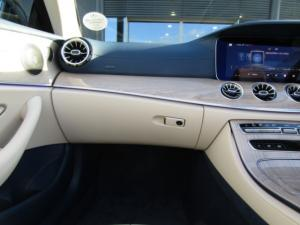 Mercedes-Benz E 300 Cabriolet - Image 3