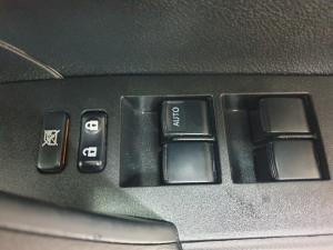 Toyota Corolla Quest 1.8 Prestige auto - Image 10