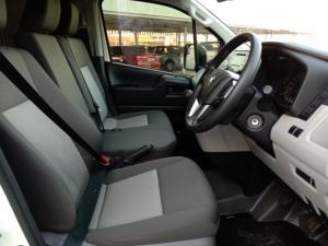 Toyota Quantum 2.8 LWB panel van - Image 5
