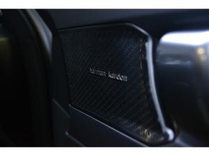 Volvo XC40 T3 R-Design auto - Image 13