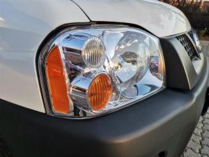 Nissan Hardbody NP300 2.0i LWBS/C - Image 9