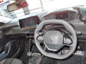 Peugeot 208 1.2T Allure - Image 10