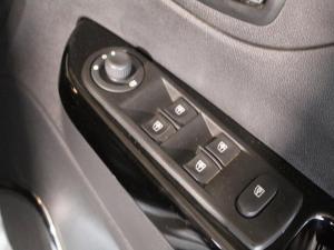 Renault Captur 900T Dynamique 5-Door - Image 6